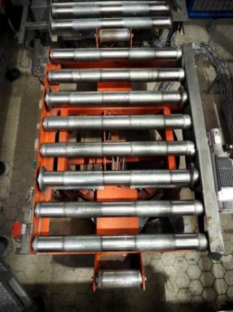 Mannesmann Dematic Engineering Conveyor for pallets
